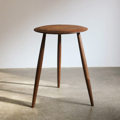 st01. button side table